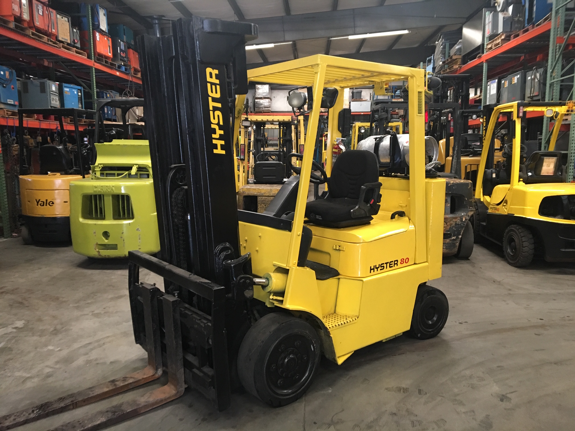 8000lb hyster forklify three stage mast side shifting forks
